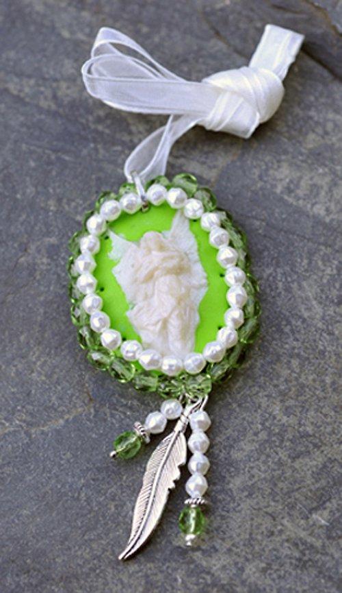 Náhrdelník perletovo zelená Kamej N0037G