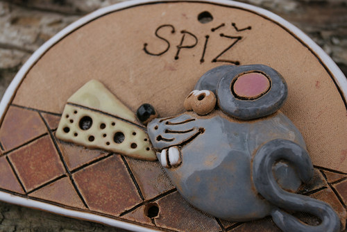 Cedulka Spíž Myška Eliška, sýr jí chutná nejvíc.