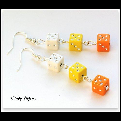 LETNÍ VARIACE - náušničky hrací kostky