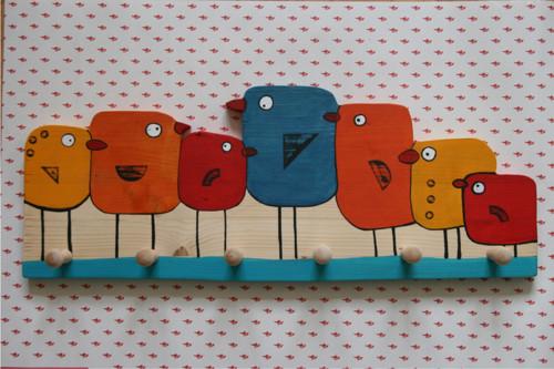 Dřevěný věšák ptáčci