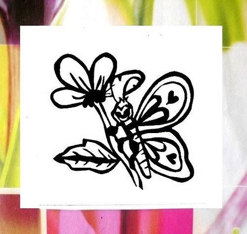 Motýl na květině. Omyvatelné razítko.