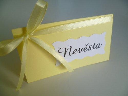 citrusově žlutá jmenovka na svatební stůl...