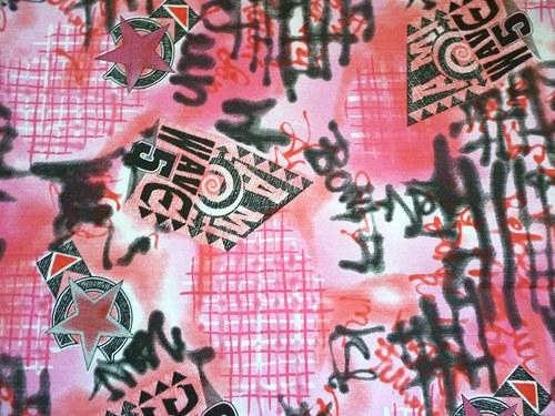 Metráž - růžové graffiti - cena za celý kus !