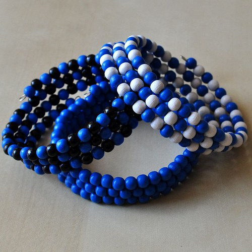 COLORES - blue, white and black