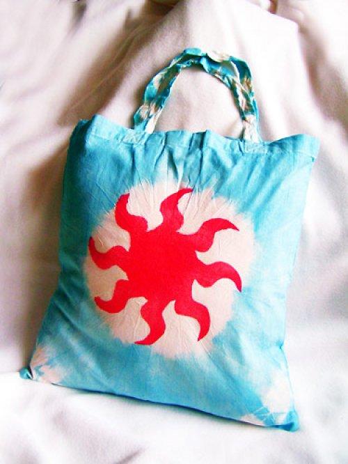 Bleděmodrá taška se sluncem - VÝPRODEJ