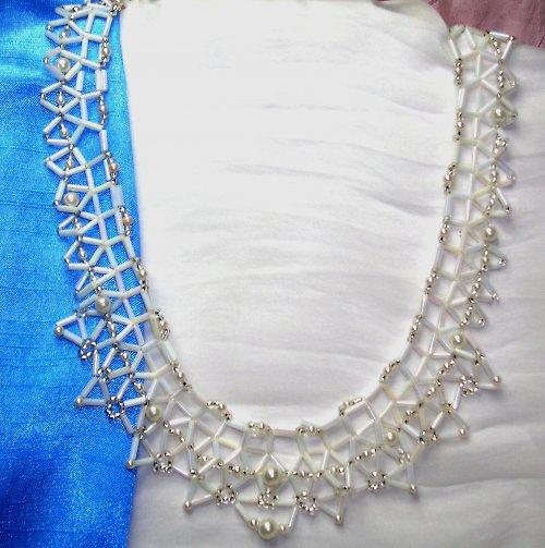 Šitá krajka - Bílá perleť (7)