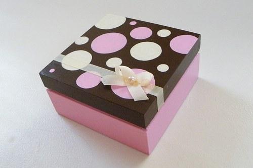 Puntíkatá krabička
