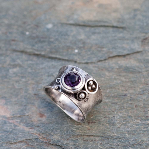 Stříbrný prsten - V machu