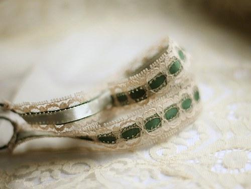 Vintage čelenka s krajkou zelená