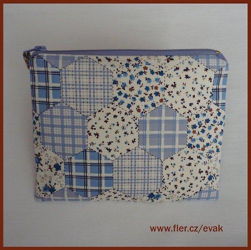 *Babiččina zahrádka - něžná taštička do kabelky
