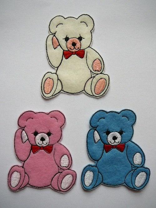 Nášivka medvídek s mašličkou