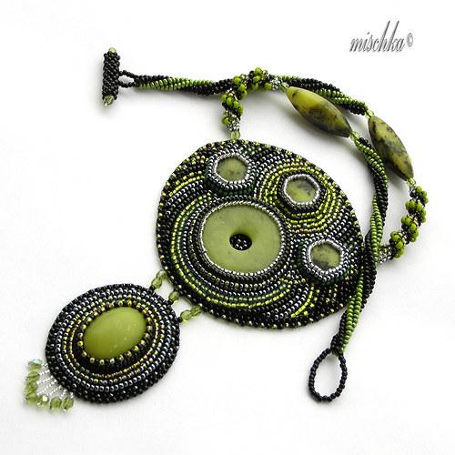Nefritový náhrdelník