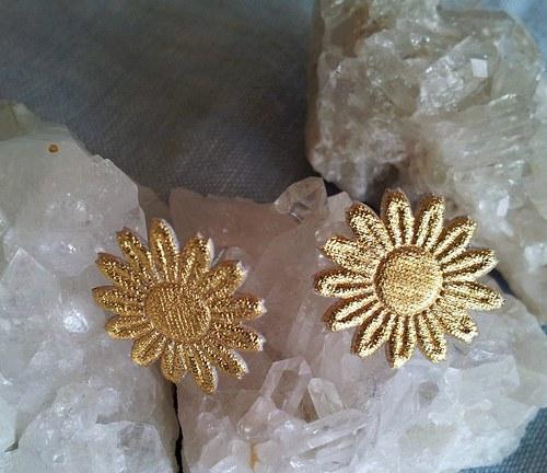 Saténová květinka do ouška - zlatá