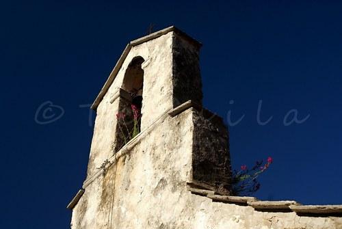 Na kostele zvoní zvon