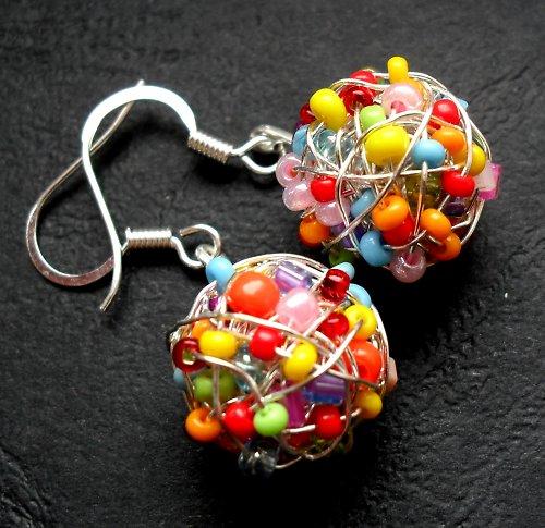 Veselé barevné kuličky