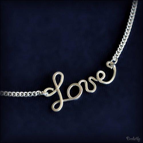 """Náhrdelník s menom / řetízek se jménem \""""Love\"""""""
