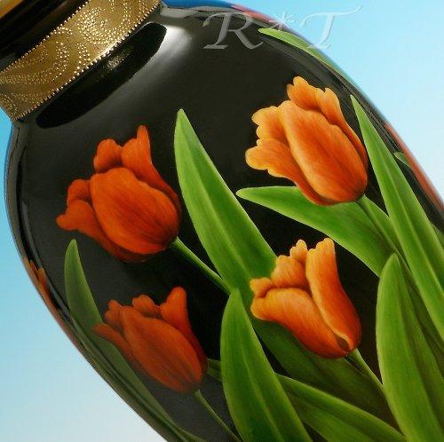 """Porcelánová váza \""""Tulipány\"""""""