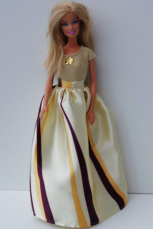 Letná saténová sukňa pre Barbie
