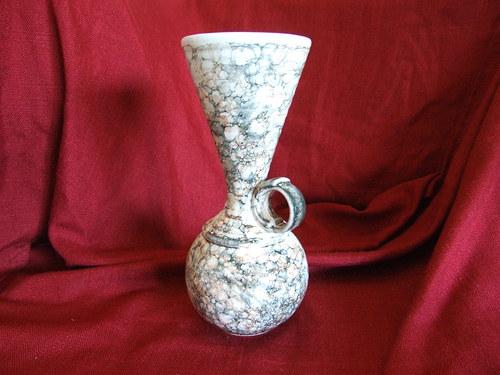 Váza Kalich s uchem