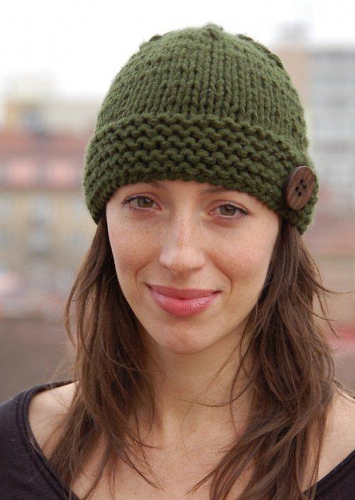 Ručně pletená čepice.