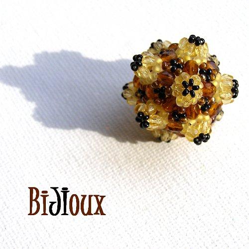 Včela medonosná:celočeský šitý náhrdelník