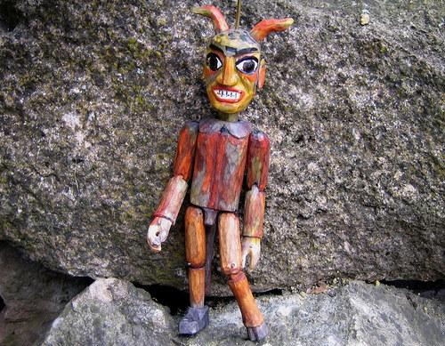 Dřevěná loutka - čert