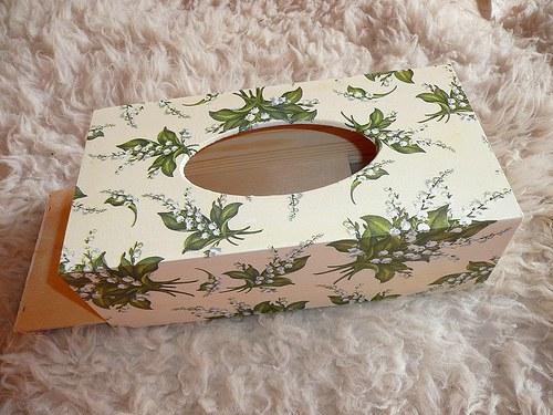 Krabička na kapesníky - konvalinky