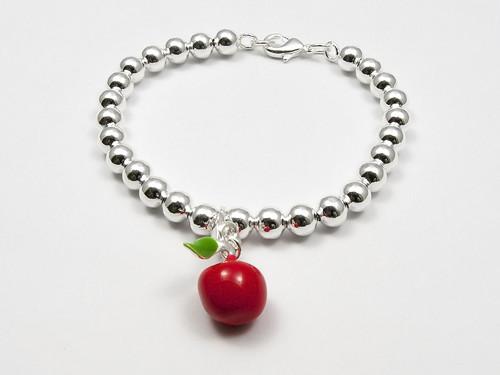 Moje malé červené jablíčko - náramek