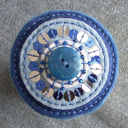 Modrá brožka