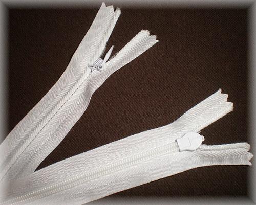 Zip spirálový skrytý 25cm - bílá