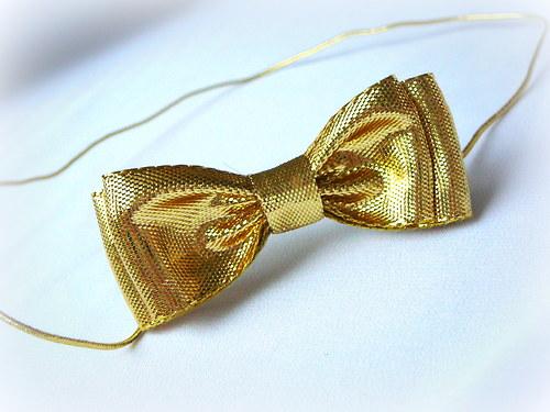 Zlatá čelenka.