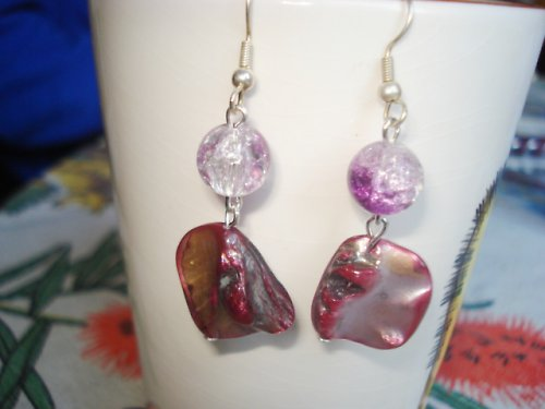 Růžovofialová perleť s praskačkou