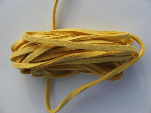 Imitace kůže, tmavě žlutá 3 mm