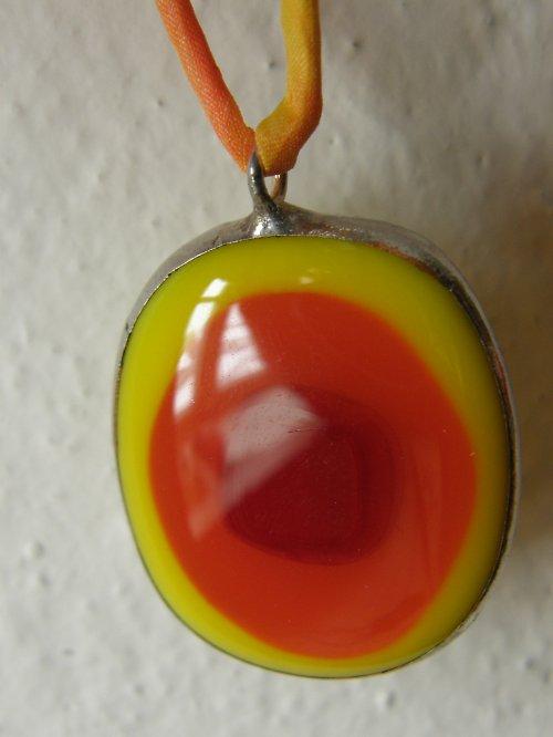Skleněný náhrdelník Sluníčko