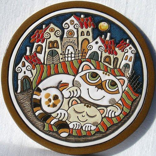 Keramický obrázek - Kočky a vesnička K-144-M