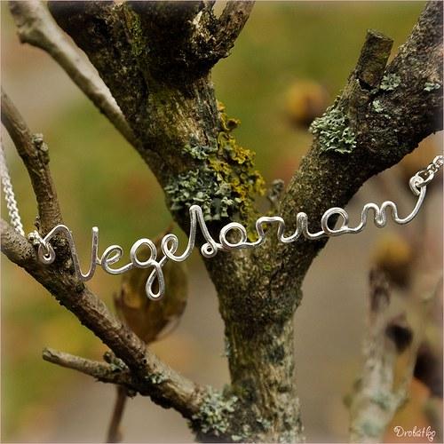 "Náhrdelník s menom /řetízek se jménem \""Vegetarian\"""