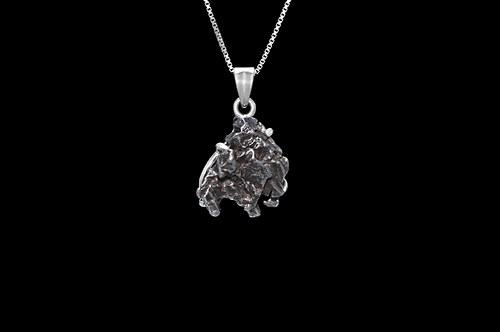 Stříbrný přívěsek s argentinským meteoritem