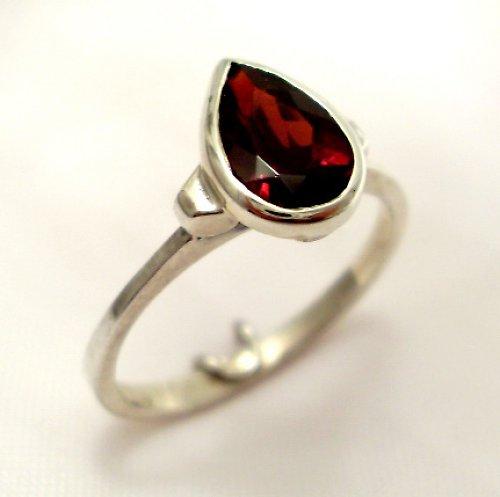 Prsten «Déšť» - stříbro 925, přírodní granát