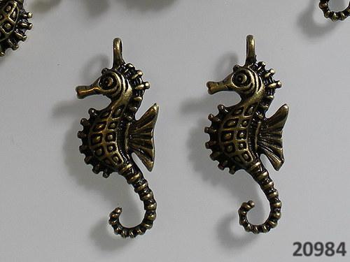 20984 Vintage přívěšek MOŘSKÝ KONÍK 29/11, bal.2ks