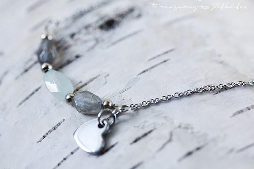ocelový náhrdelník s polodrahokamy