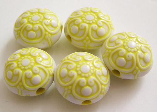 Kulaté čočky žlutá barva
