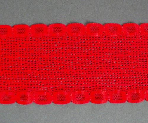 *Červená elastická krajka s výraznou strukturou