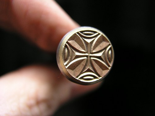 RAZIDLO do kůže, kartonu, latinský kříž