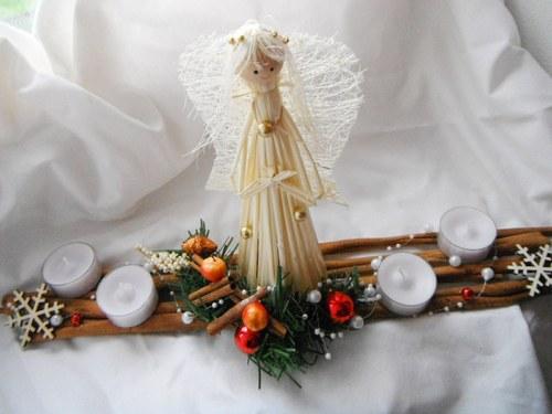 adventní svícen- anděl se skořicí