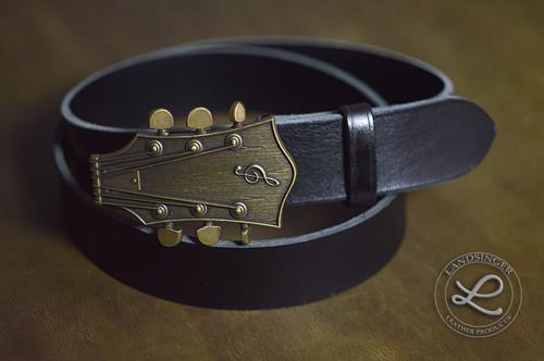 Kožený opasek - kytara staromosaz