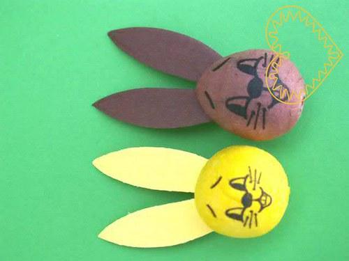 Menší hnědý či žlutý zajíc - hlavička 23x29 mm