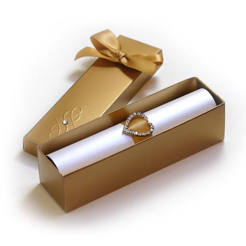 Svatební oznámení ve zlaté krabičce
