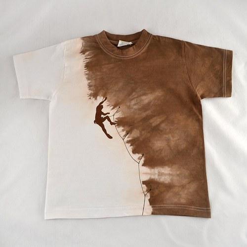 Bílo-hnědé dětské tričko s horolezcem (8 let)