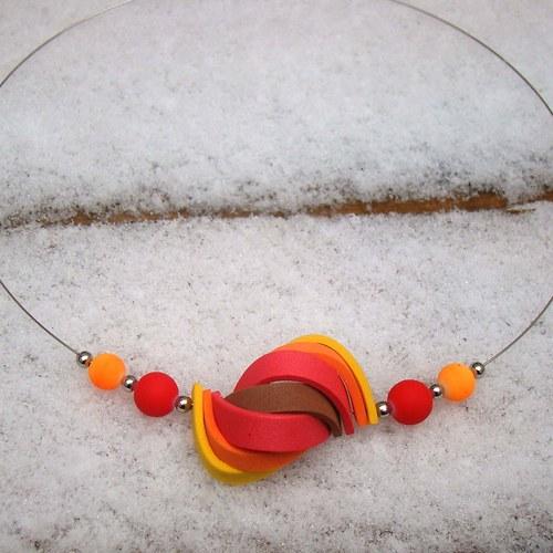 náhrdelník ulita v červených tónech