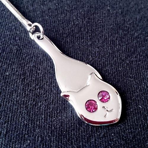 Růžová kočička Placy